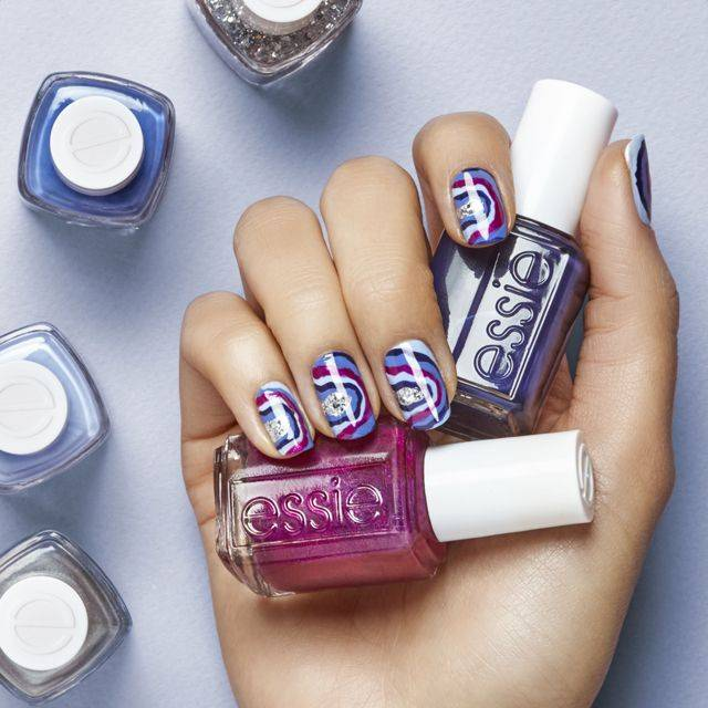 rock it in geode nail art